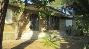 Panoramisch gelegen villa met tuin