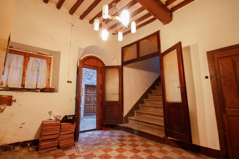 Huis te koop tussen Arezzo en Firenze