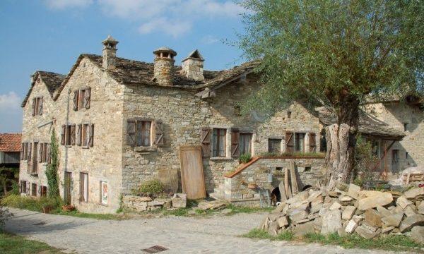 stenen huis te koop emilia romagna
