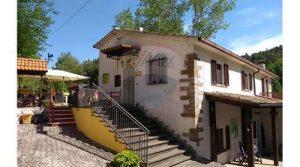 Sassoferrato: Vrijstaande, gerenoveerde woning met zwembad