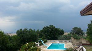 Villa met zwembad te koop vlakbij Napels vrijstaand in de heuvels van Benevento