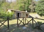 klein stenen huisje cortona toscane te koop 2