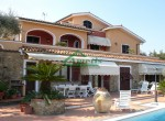 villa met zwembad zeezicht in Imperia Liguria te koop 3