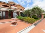 villa met zwembad zeezicht in Imperia Liguria te koop 4