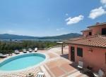 Luxe villa met zwembad en zeezicht in Elba te koop