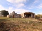 Terrein met te renoveren trulli te koop in Ostuni, Puglia 10