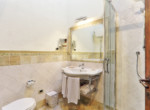 505-farmhouse-with-pool-for-sale-near-Castellina-in-Chianti-13