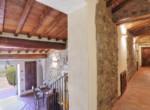 505-farmhouse-with-pool-for-sale-near-Castellina-in-Chianti-9