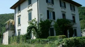 Brentonico : zeer ruime, alleenstaande woning