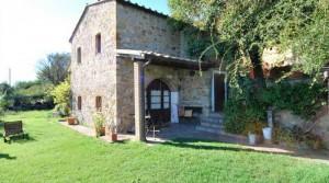 Mooi gerenoveerd stenen huis op 25 km van de zee