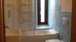 bagno-con-vasca-doccia