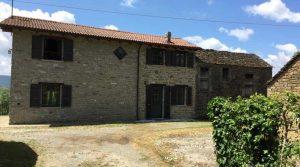 Mooie landelijk gelegen volledig nieuw gerenoveerde woning in een traditionele borgo.