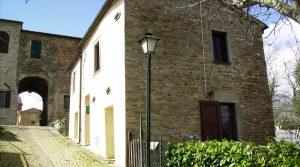 Prachtig gerenoveerd huis in vriendelijk dorpje in Le Marche
