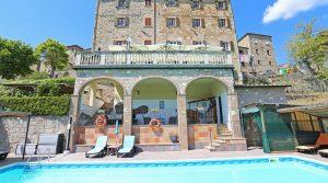 Appartementen complex in Toscane te Koop