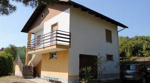 Alleenstaand huisje met tuin bij Denice in Zuid-Piemonte
