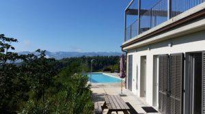moderne villa met panoramisch uitzicht in Piëmonte