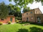 Sant'Angelo in Pontano villa met zwembad te koop 23