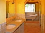 huis te koop in toscane cortona gerenoveerde molen zwembad 25