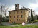 villa met kerkje te koop bij Lucca Toscane 1