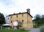 villa met kerkje te koop bij Lucca Toscane 2