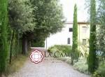 villa met kerkje te koop bij Lucca Toscane 3