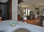 villa met uitzicht op het trasimeno meer te koop 8