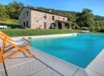 2 gerenoveerd landhuis met zwembad in umbrie