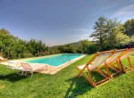 23 gerenoveerd landhuis met zwembad in umbrie