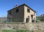alleenstaand stenen huis cortona toscane te koop 1