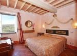 stenen villa met zwembad te koop cortona toscane 11