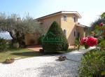 villa met zwembad zeezicht in Imperia Liguria te koop 6
