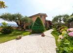 villa met zwembad zeezicht in Imperia Liguria te koop 7