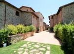 appartementen en huizen in borgo met zwembad toscane te koop