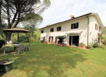 boerderij met olijfgaard in Toscane te koop
