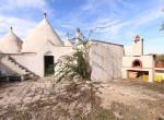 Terrein met te renoveren trulli te koop in Ostuni, Puglia 15