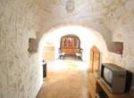 Terrein met te renoveren trulli te koop in Ostuni, Puglia 16