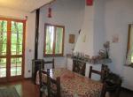 Zeri alleenstaand stenen huis te koop Toscane 9