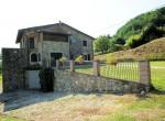 Stenen villa met annexe te koop in Barga, Lucca