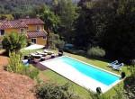 halfvrijstaand huis met zwembad in lucca