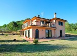 villa met uitzicht op het meer van Bolsena te koop in Lazio 1