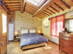 505-farmhouse-with-pool-for-sale-near-Castellina-in-Chianti-14