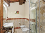 505-farmhouse-with-pool-for-sale-near-Castellina-in-Chianti-20
