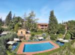 agriturismo te koop in toscane - met wijngaarden en zwembad