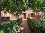 537-farmhouse-complex-with-pool-and-Chianti- vineyard-16