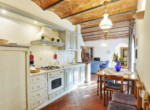 537-farmhouse-complex-with-pool-and-Chianti- vineyard-18