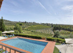 537-farmhouse-complex-with-pool-and-Chianti- vineyard-2