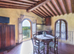 537-farmhouse-complex-with-pool-and-Chianti- vineyard-23