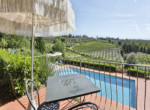 537-farmhouse-complex-with-pool-and-Chianti- vineyard-25
