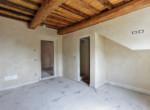 623-vendesi-casale-in-pietra-ristrutturato-Prato-Toscana-20