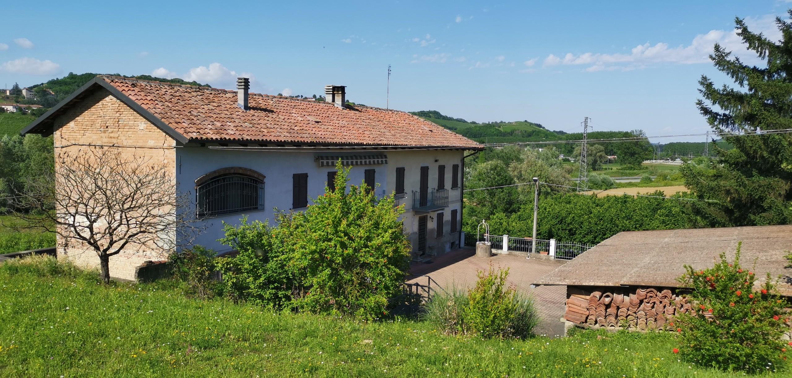 huis wijngaarden piemonte te koop